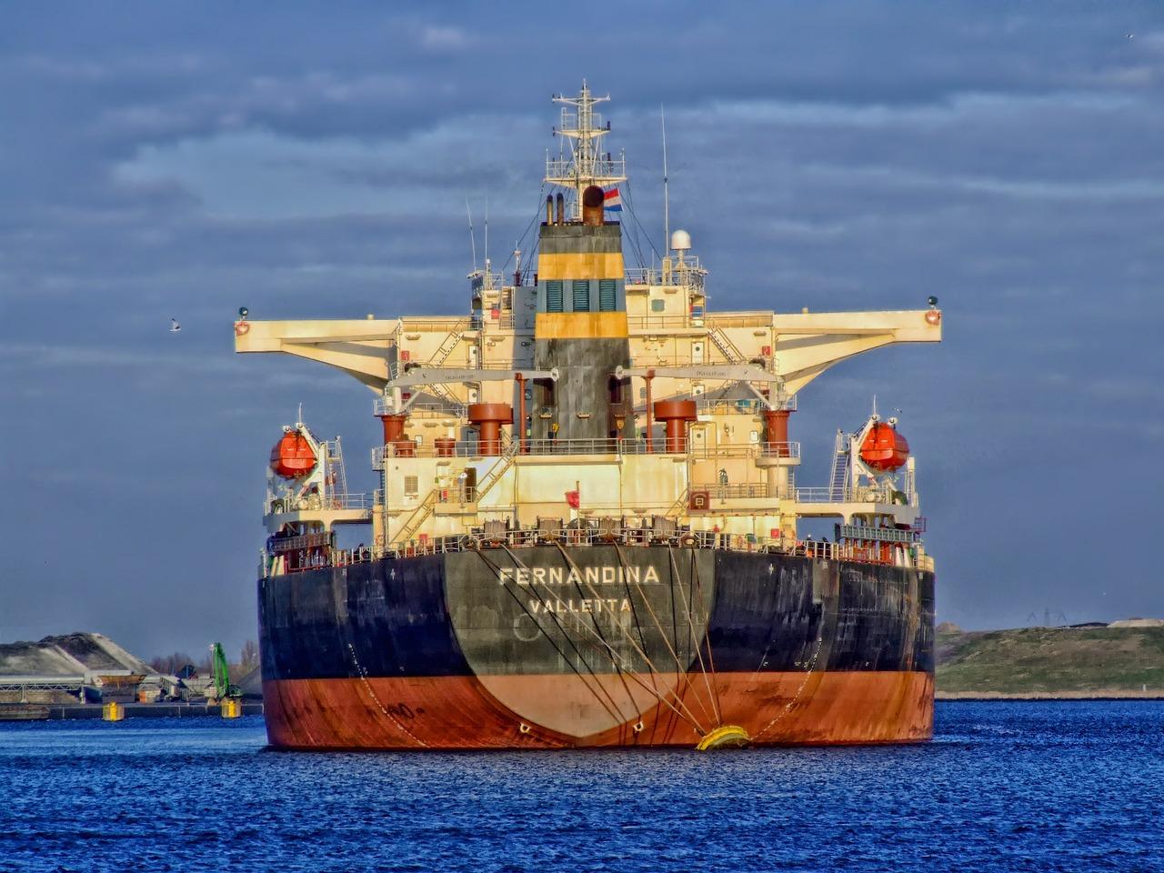 Rynek internetowy napędza rozwój logistyki i transportu