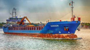 transport maszyn drogą morską